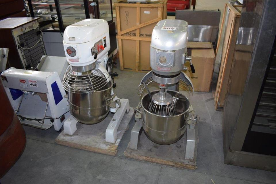 Industrial electrical mixers