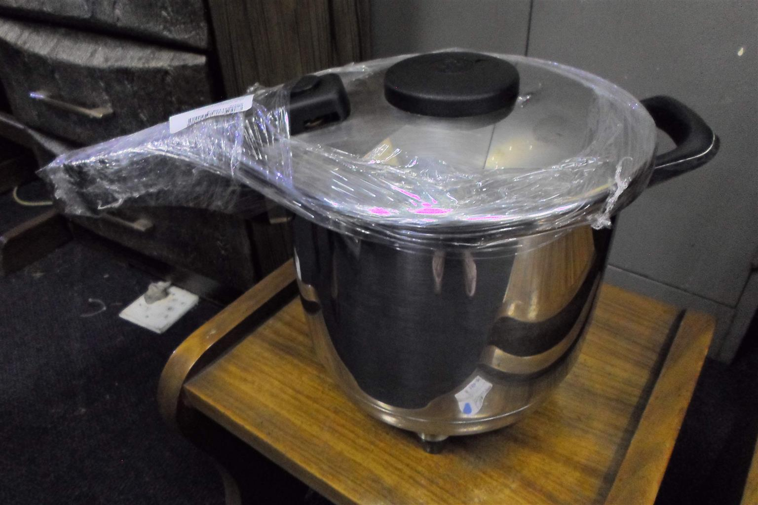 AMC Electric Pressure Cooker