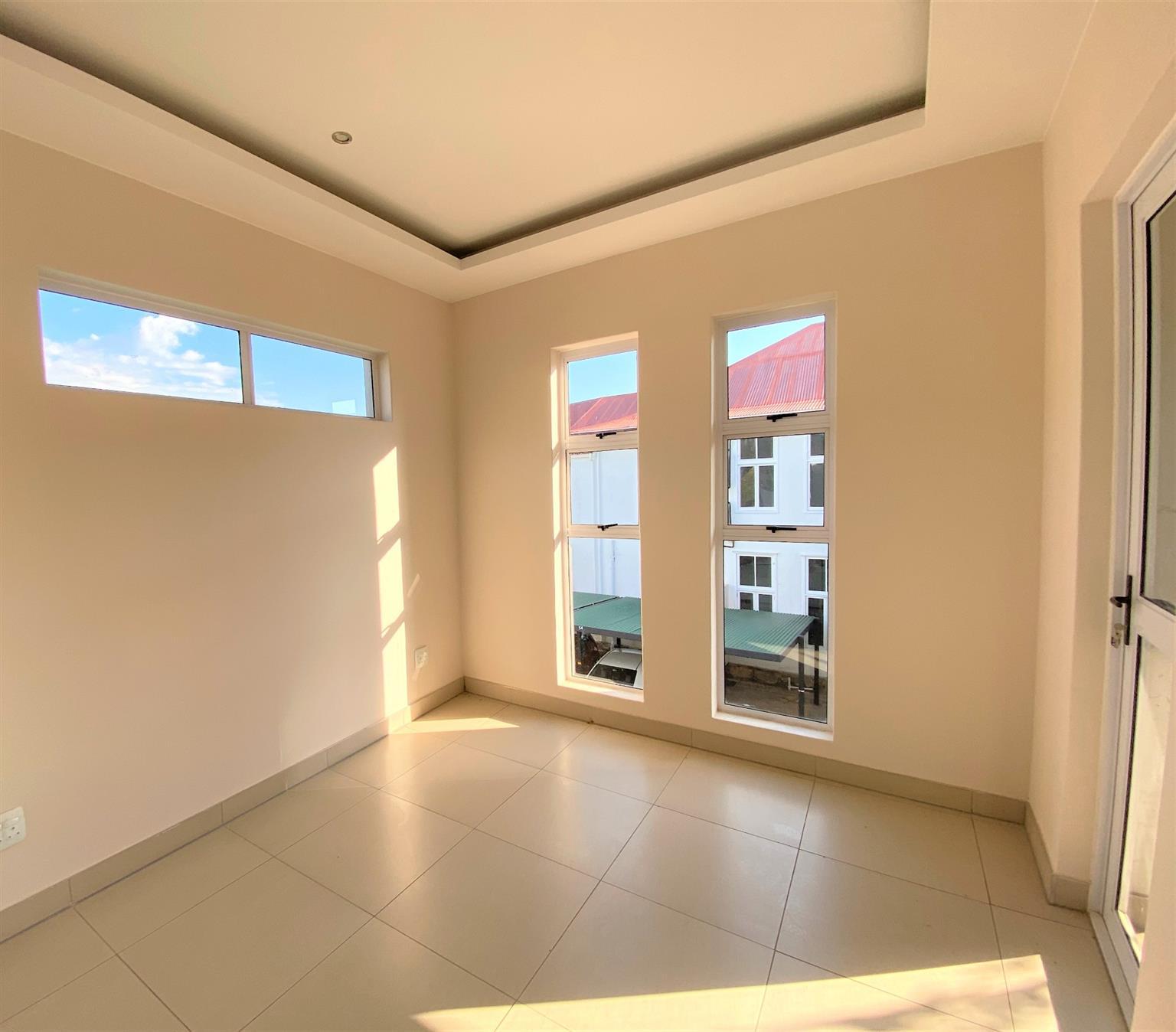 Apartment For Sale in Modderfontein