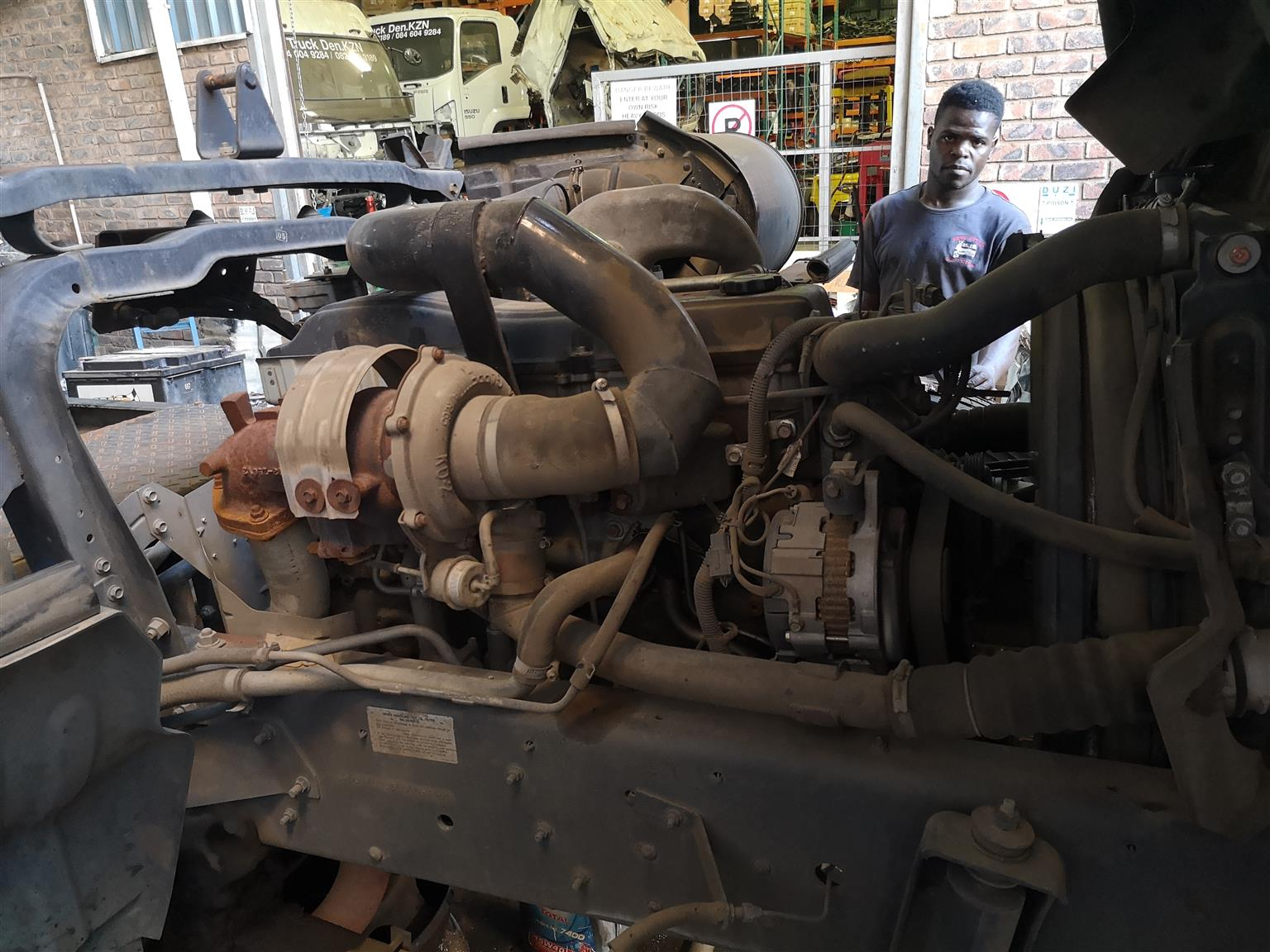 2015 NISSAN UD 100 - TURBO ELECTRONIC 24V ENGINE /COMPUTER - STRIPPING FOR SPARES ONLY.