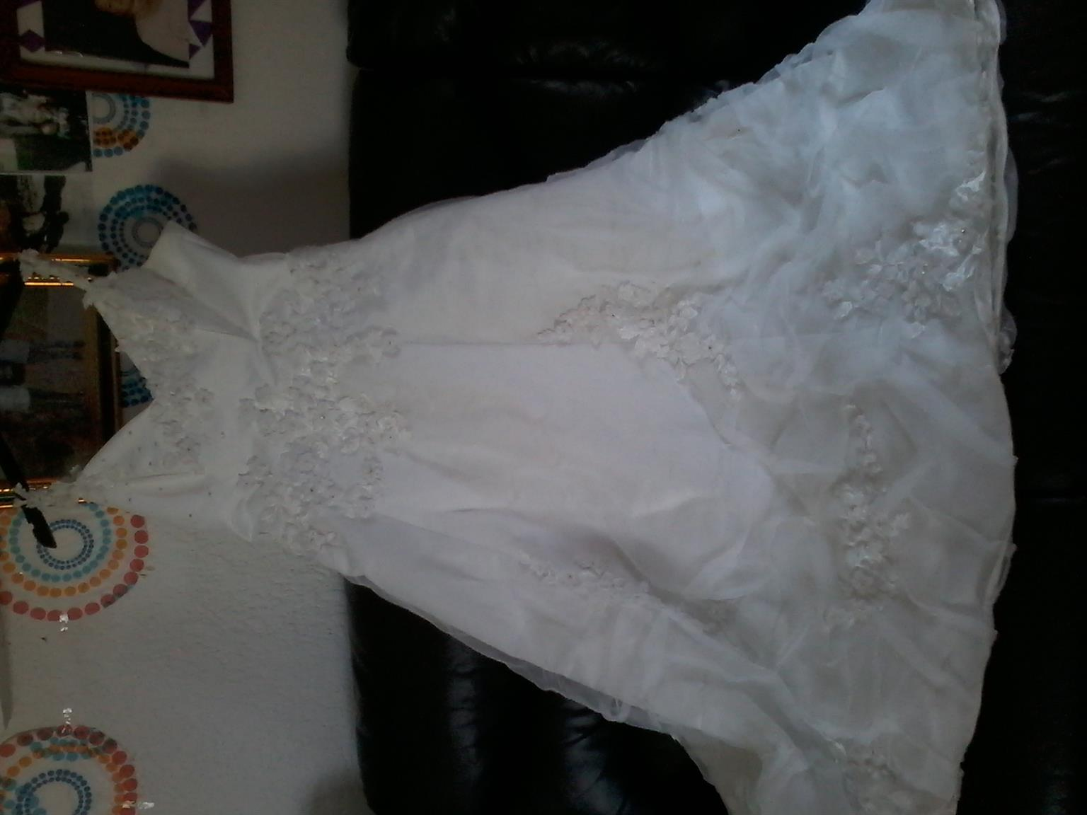 wedding gown size 36