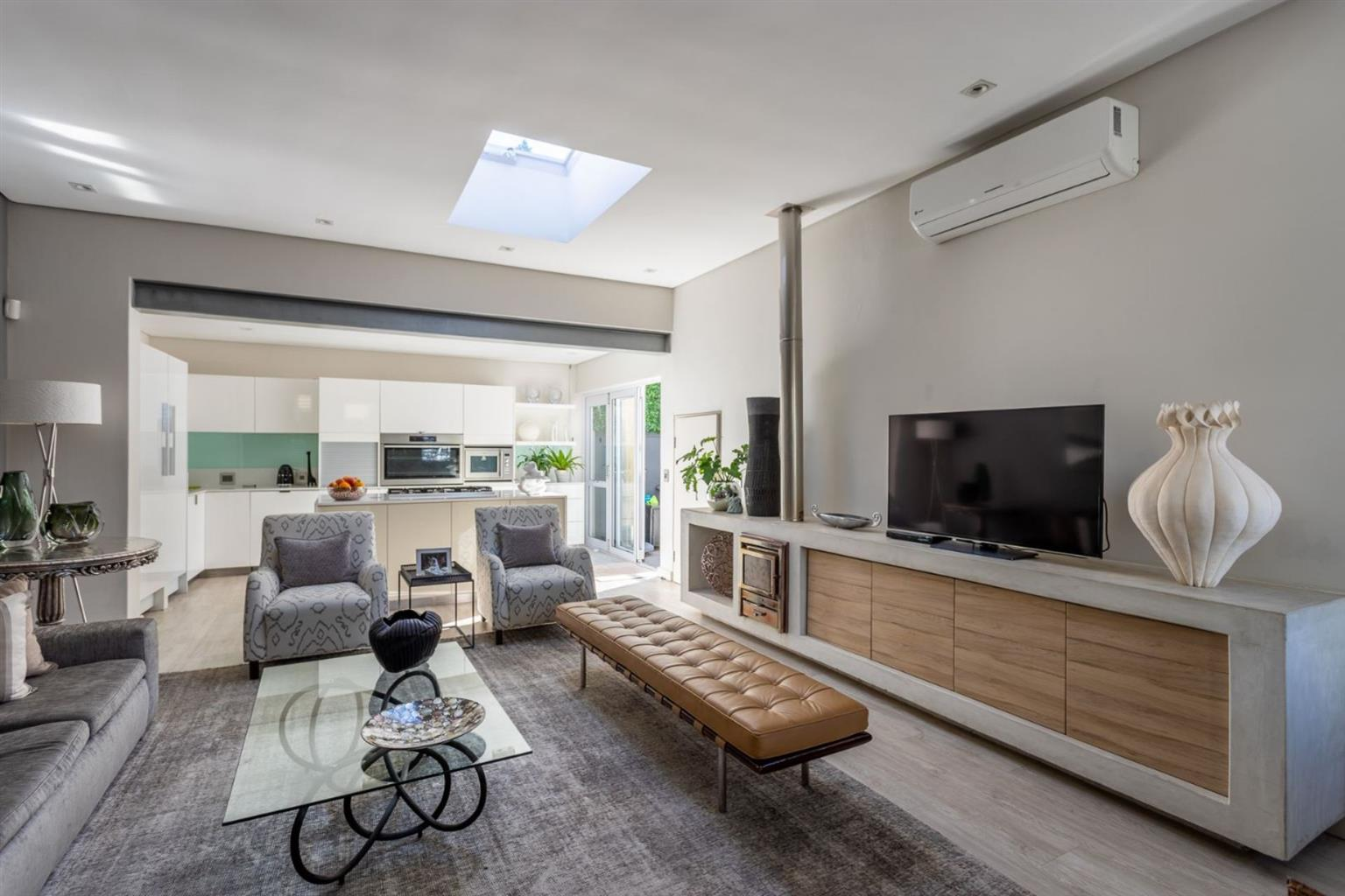 House For Sale in GREEN POINT