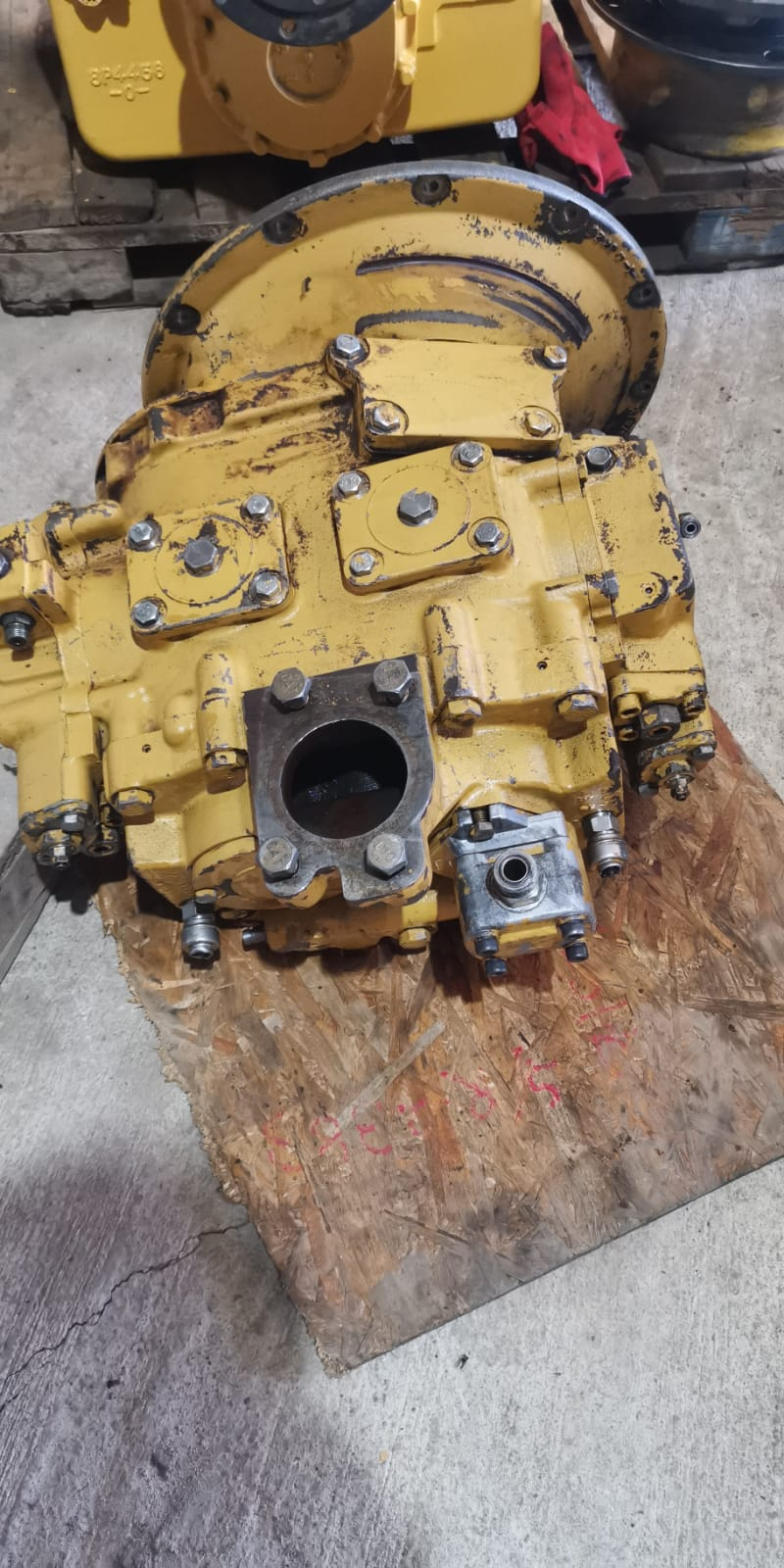 Cat 320c hydraulic main pump