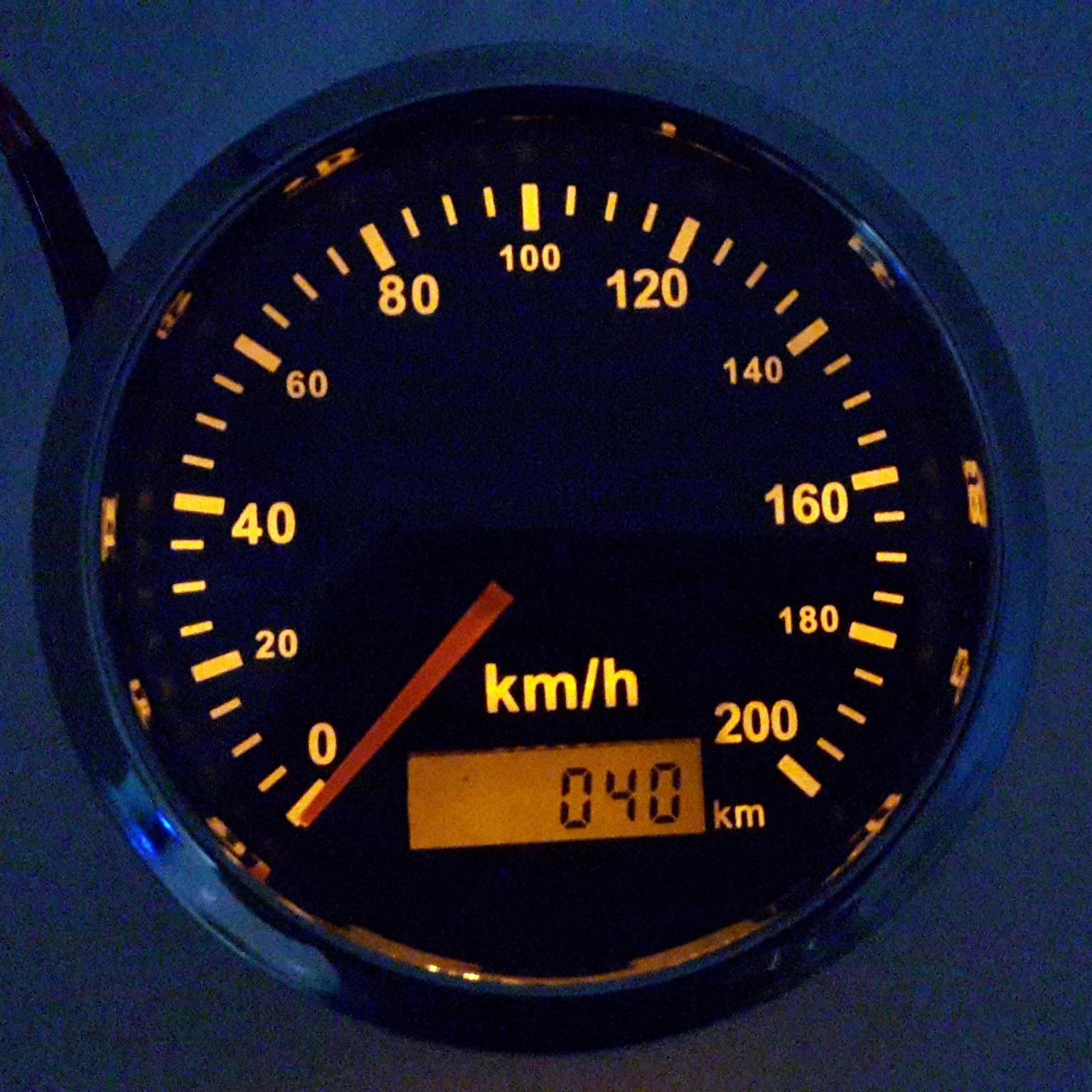 MERCEDES BENZ AXOR SPEEDOMETER PROBLEMS? GPS SPEEDOMETER IS THE SOLUTION