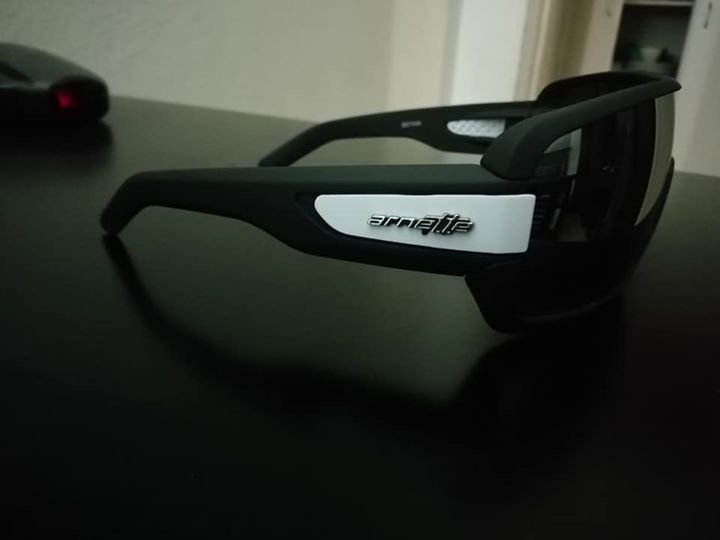 Arnettes sunglasses