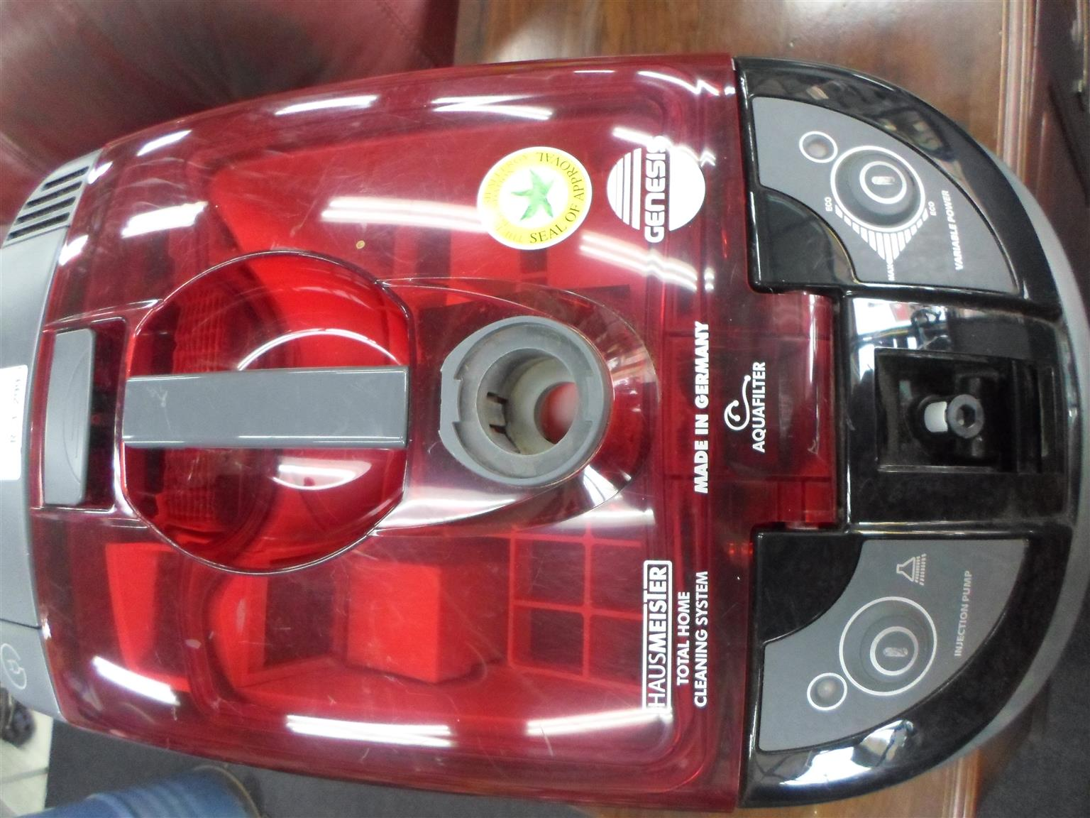 Genesis Hausmeister Total Home Cleaning System