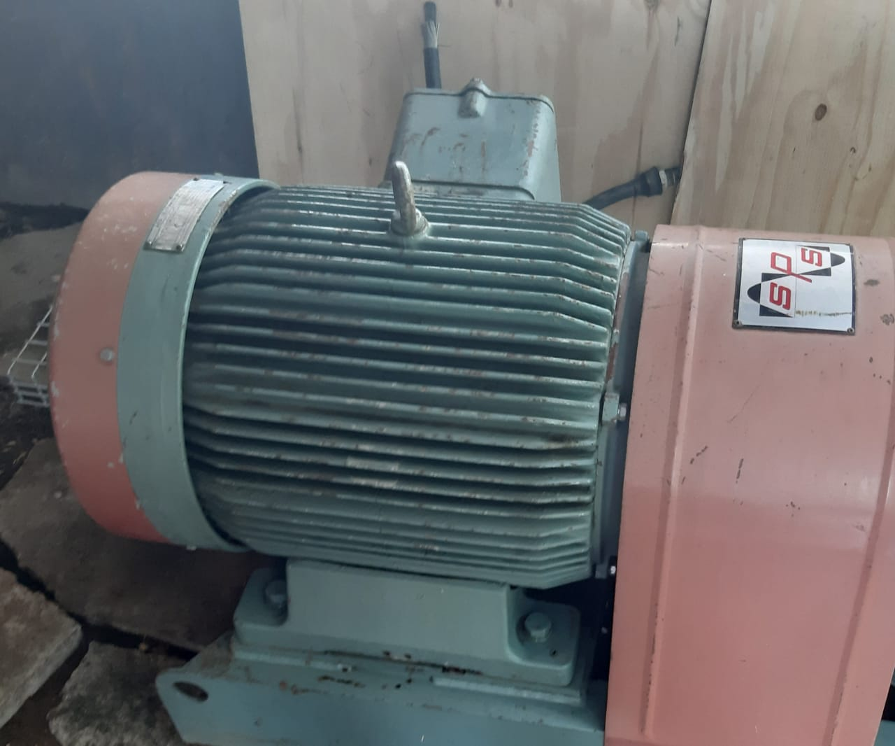 55 kW Motor, 4 Pole, 3 Phase, 380V AEG Industrial Motor.  Still in very good condition.  Collection for buyer account.  Price negotialble.