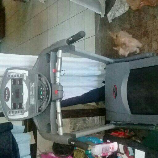treadmill /fitness