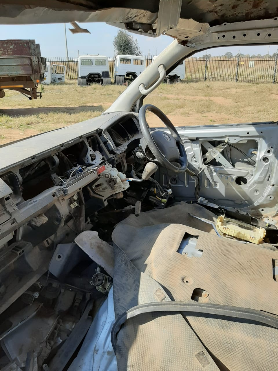 Toyota Qauntum Stripping for parts  VVTI  Contact Bertie 074-021-1001