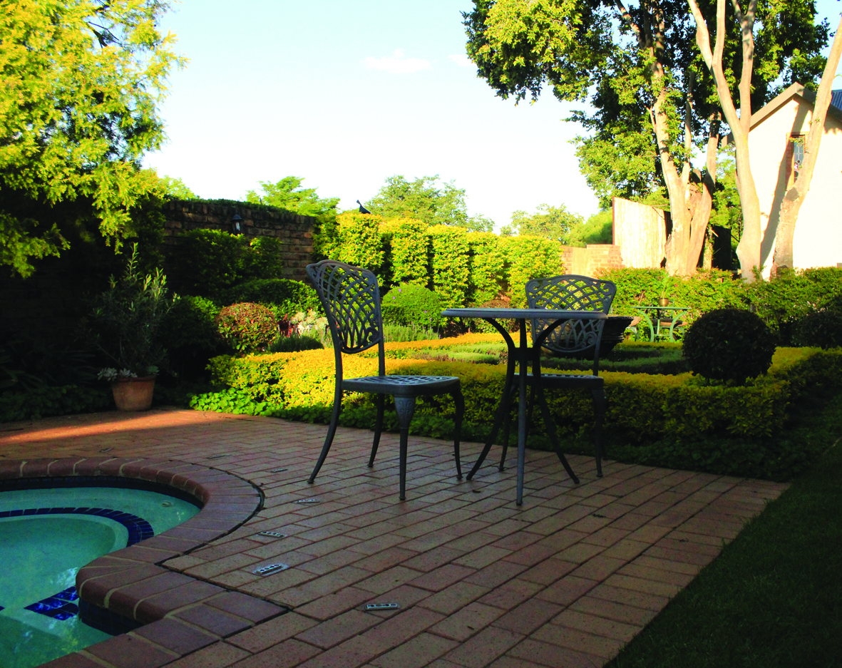 1 Bedroom Furnished Apartment in Waterkloof
