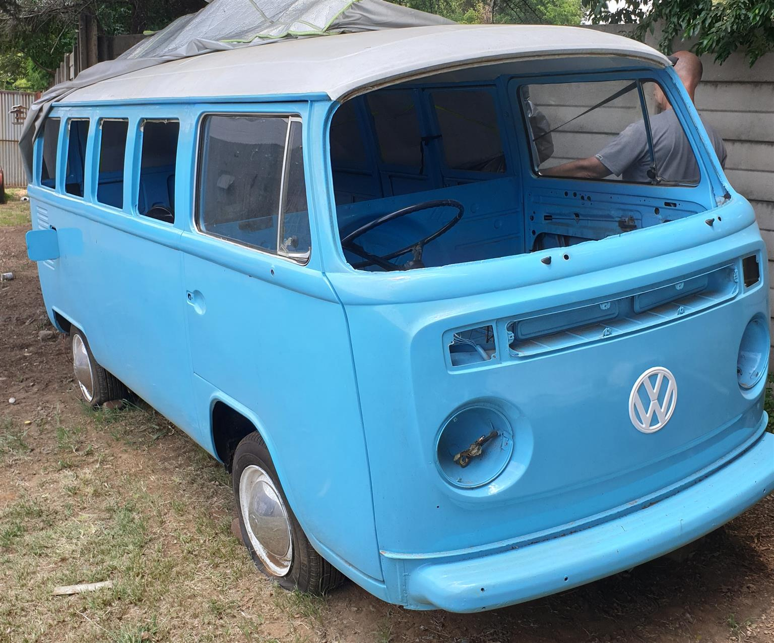 1975 VW Brasilia Bay window bus - partly restored