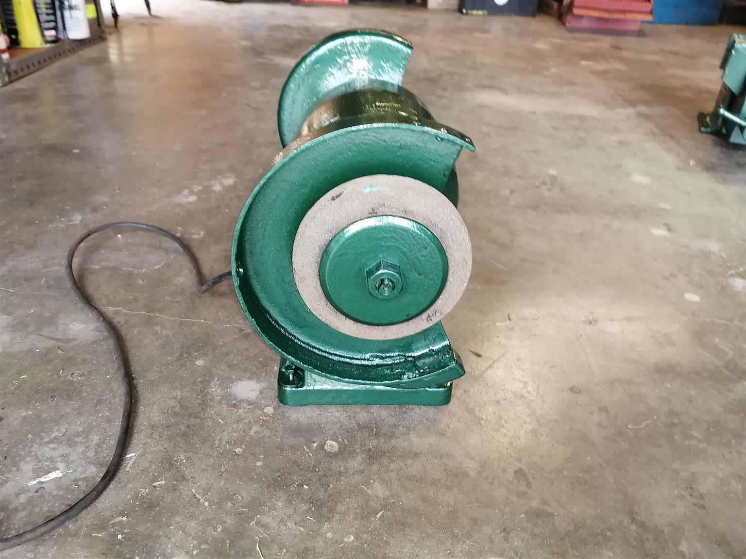 Bench Grinder Heavy Duty Twin Wheel