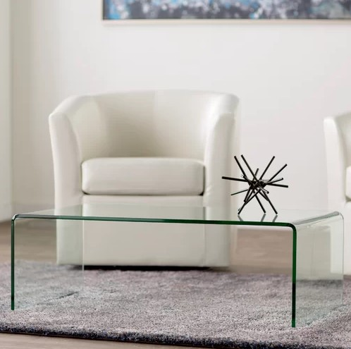 COFFEE TABLE BRAND NEW CLEAR.