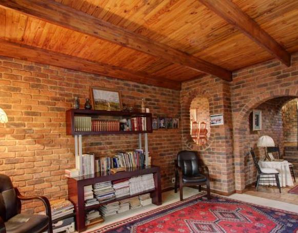 5 Bedroom House for Sale in Meyerspark