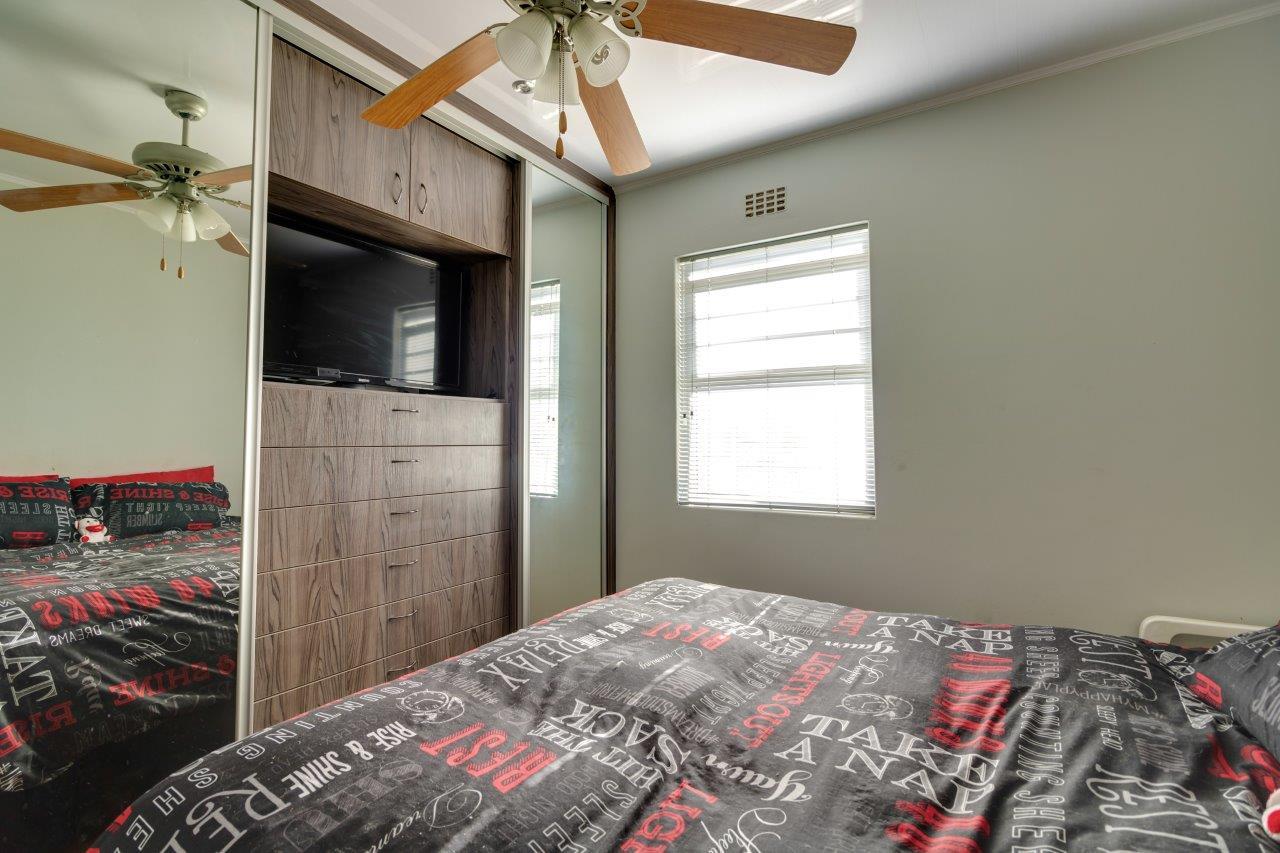 Modern 2 bedroom townhouse avail in de tuin brackenfell for
