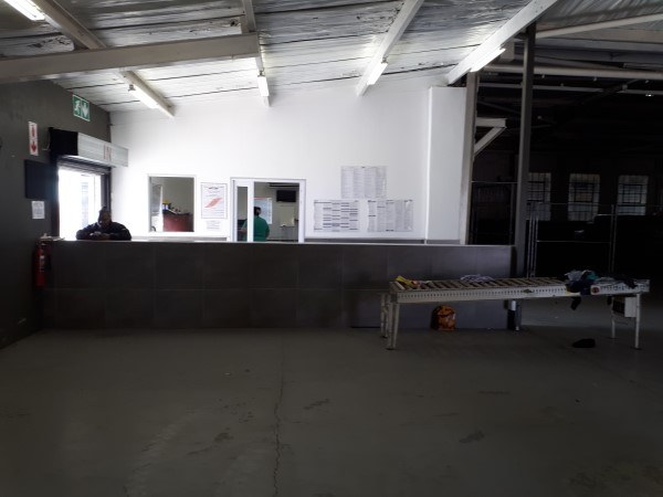 MASSIVE 1200 SQM WAREHOUSE ON 5000 SQM CEMENTED YARD - STREETFRONT - ideal  distribution/ storage/ hardware/ retail | Junk Mail