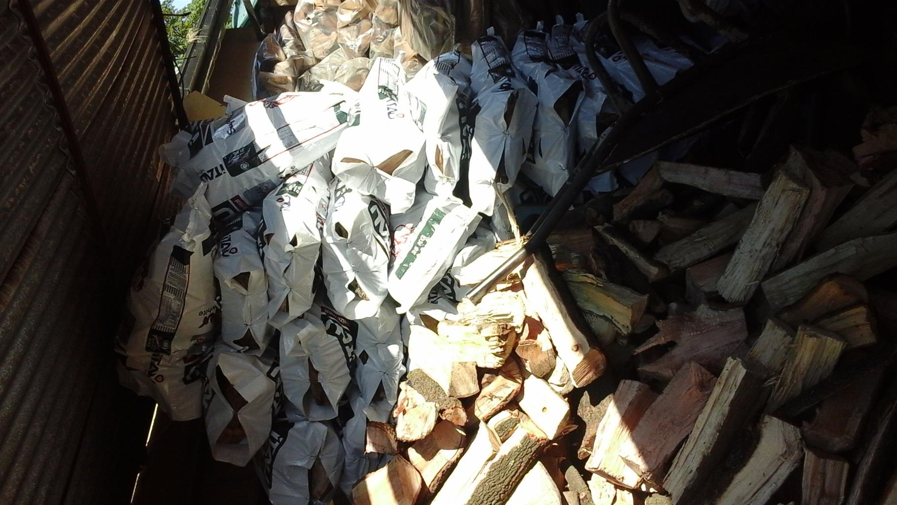 FIREWOOD BIG  BAGS FOR SALE KEMPTON PARK . 100% DRY