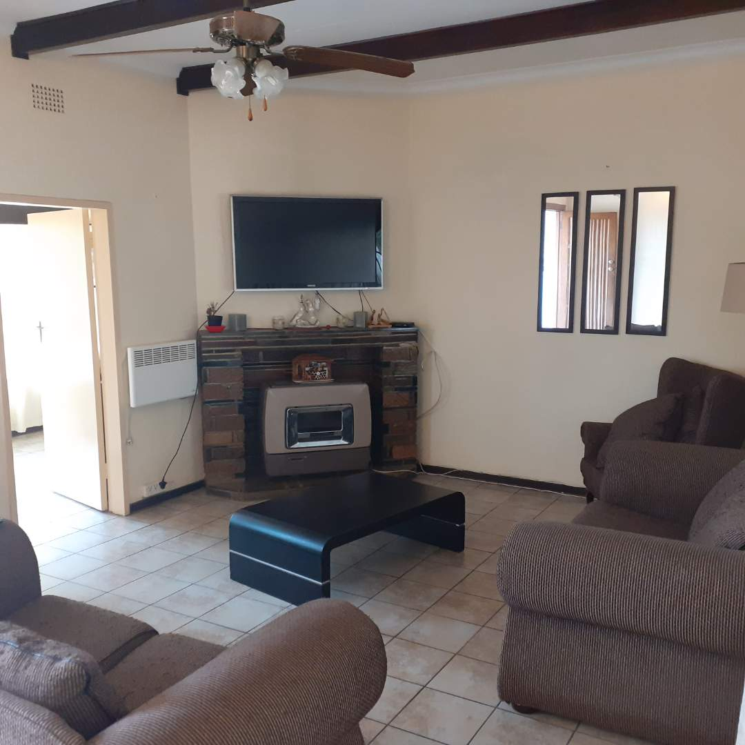 House For Sale in Linmeyer