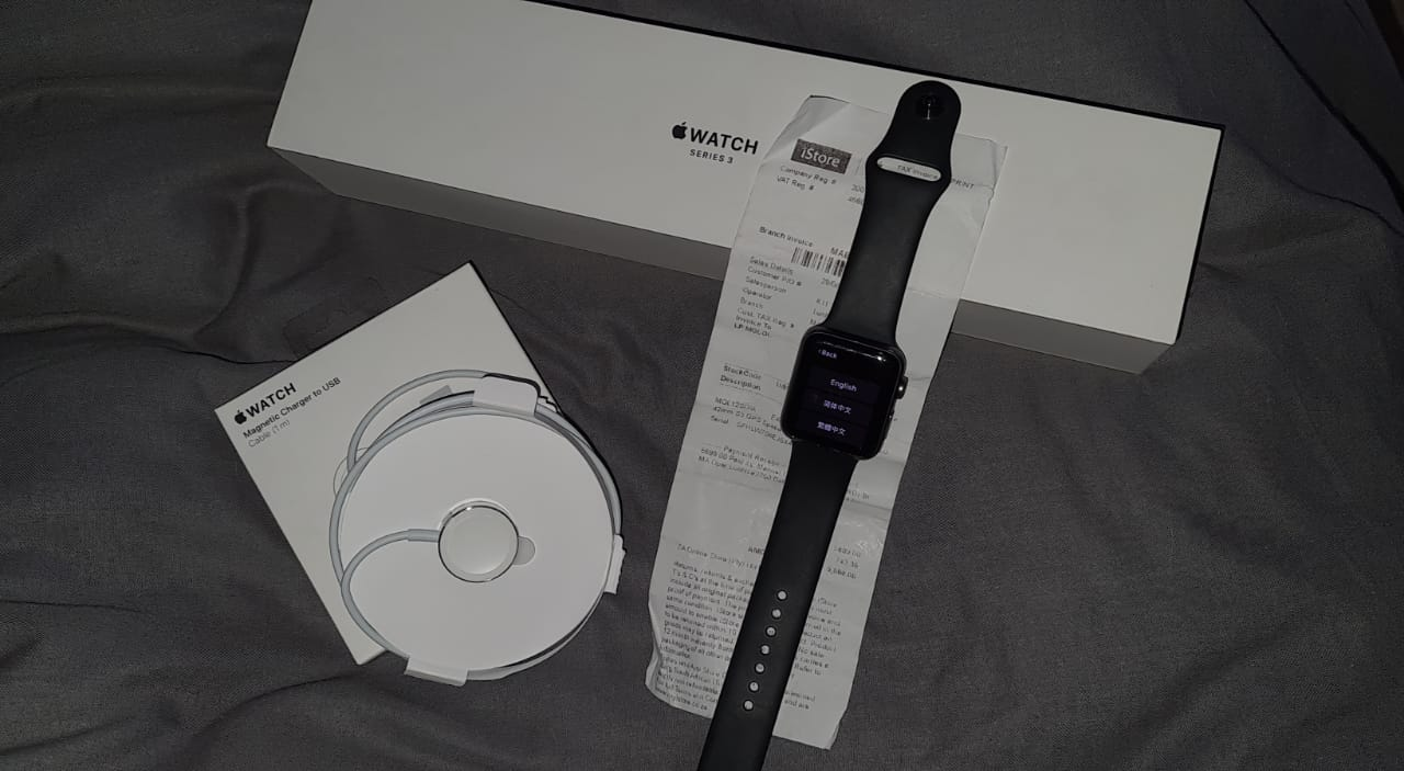 Apple watch series 3 42mm -GPS