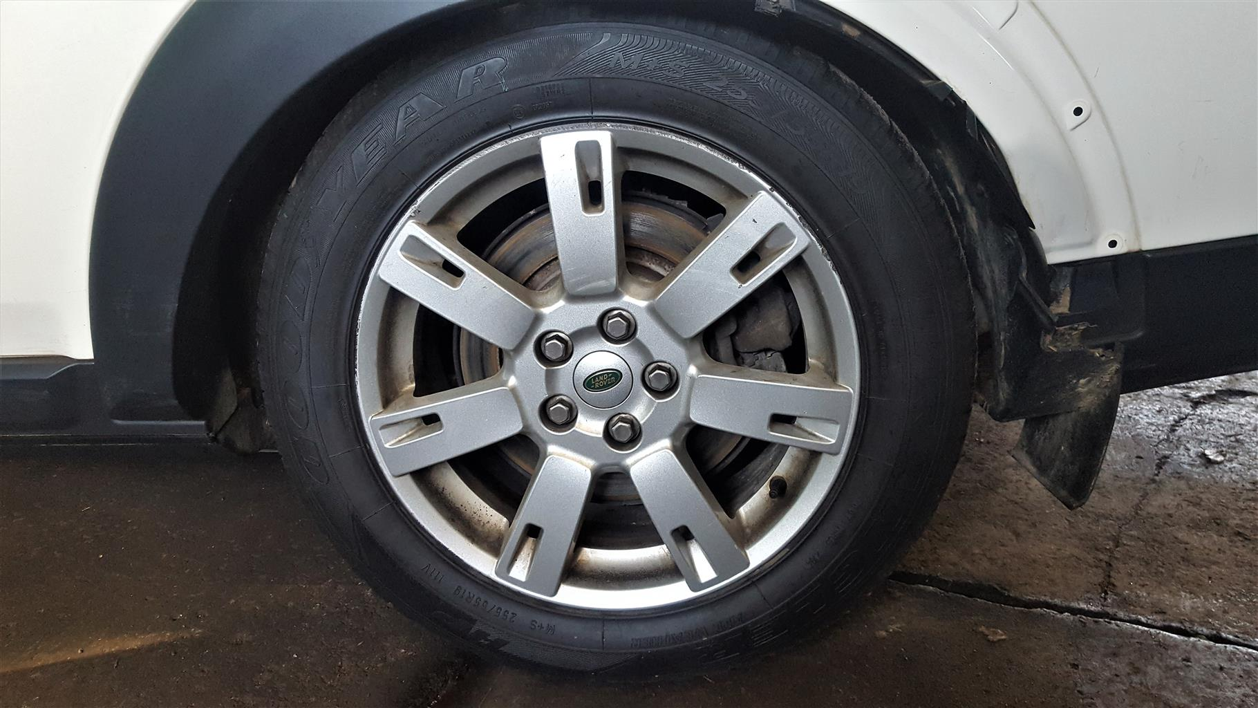 Land Rover Discovery 4 Rims   FOR SALE