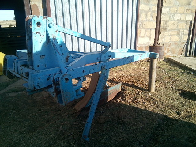 "20"" Single shear mouldboard plough / Een skaar ploeg 20"""