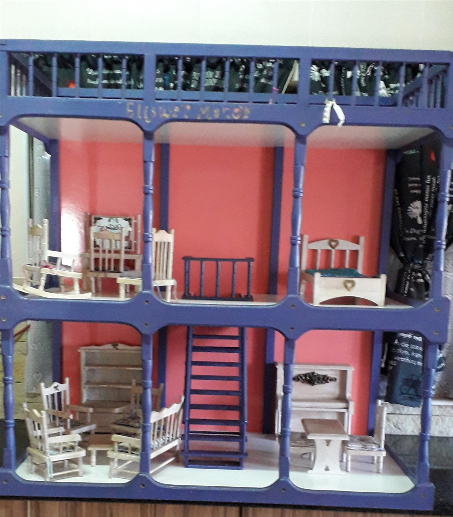 Little wooden dreams Dollhouse with furniture