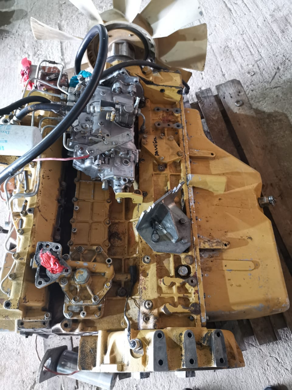Cat 320 excvator engine and main pump