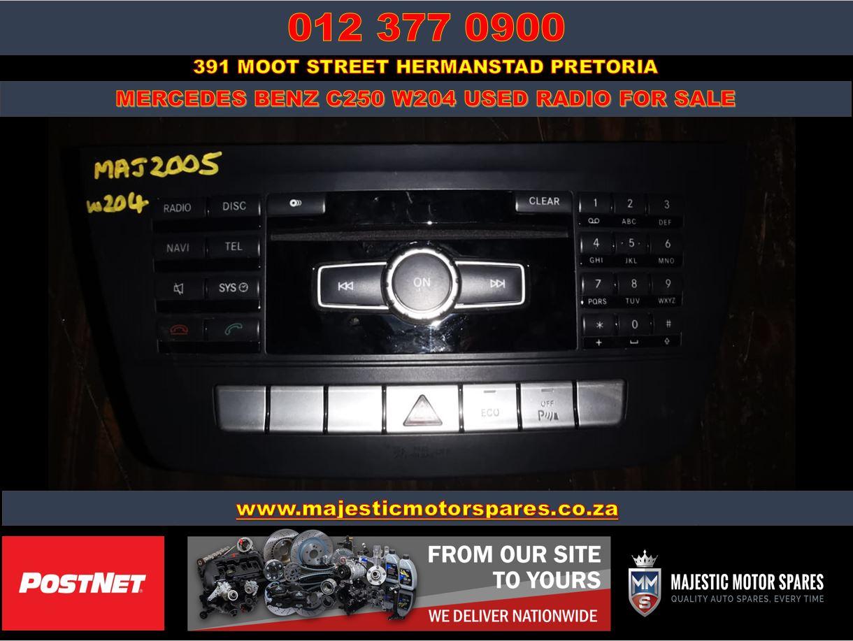 Mercedes Benz C250 W204 used car radio for sale