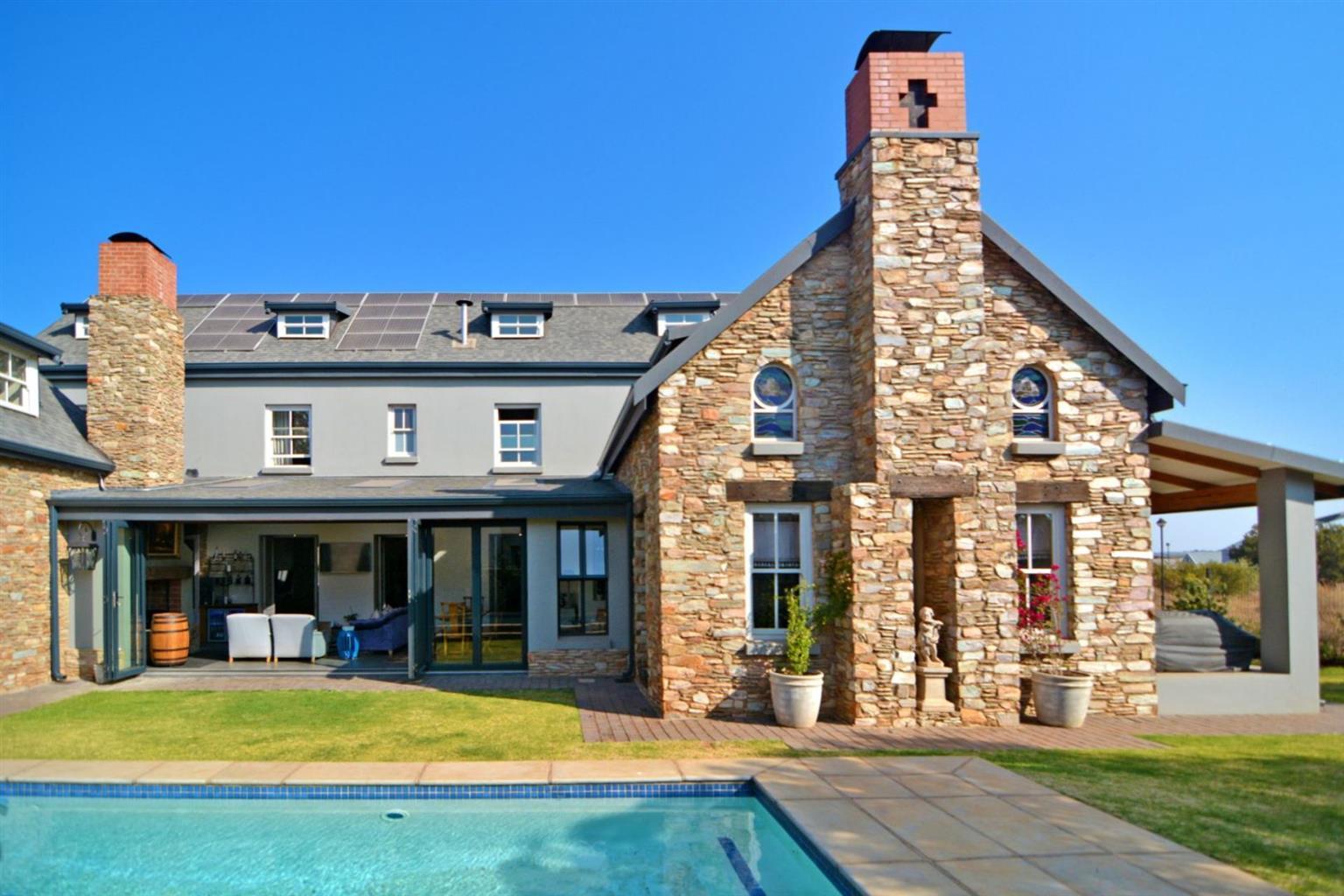 House For Sale in Midstream Ridge