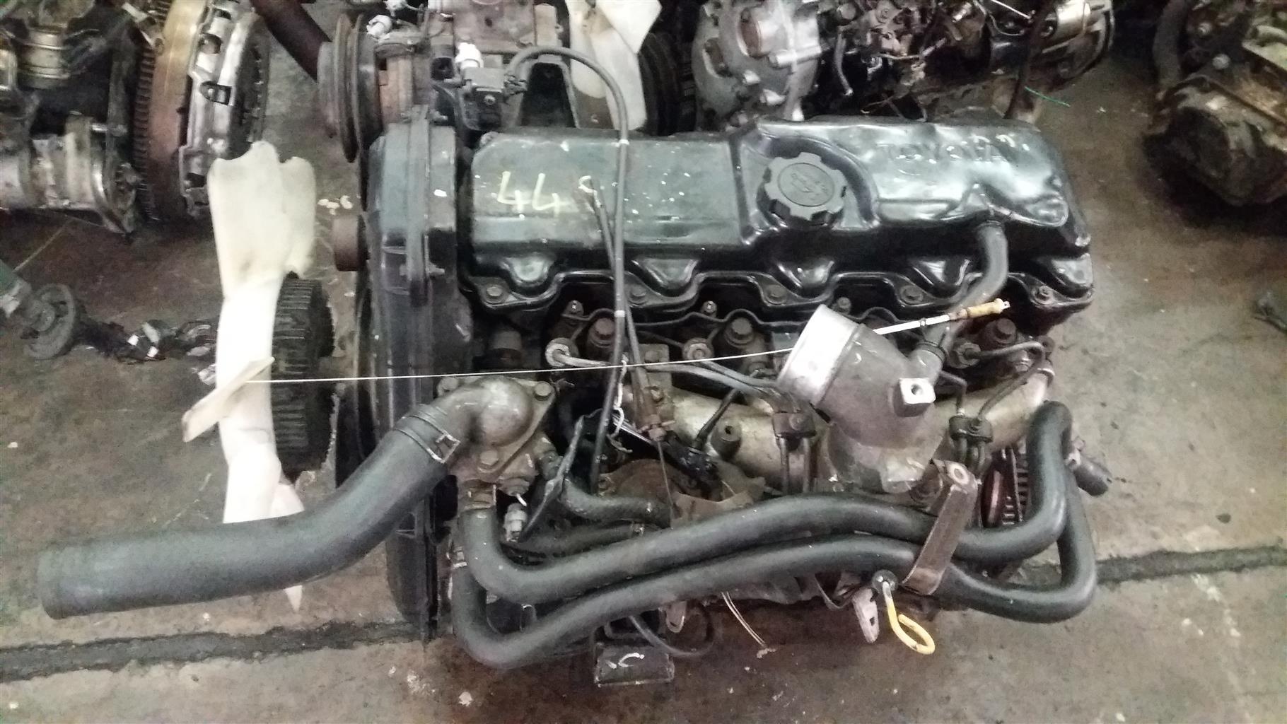 Toyota Hilux 2.4 Diesel Engine  #2L