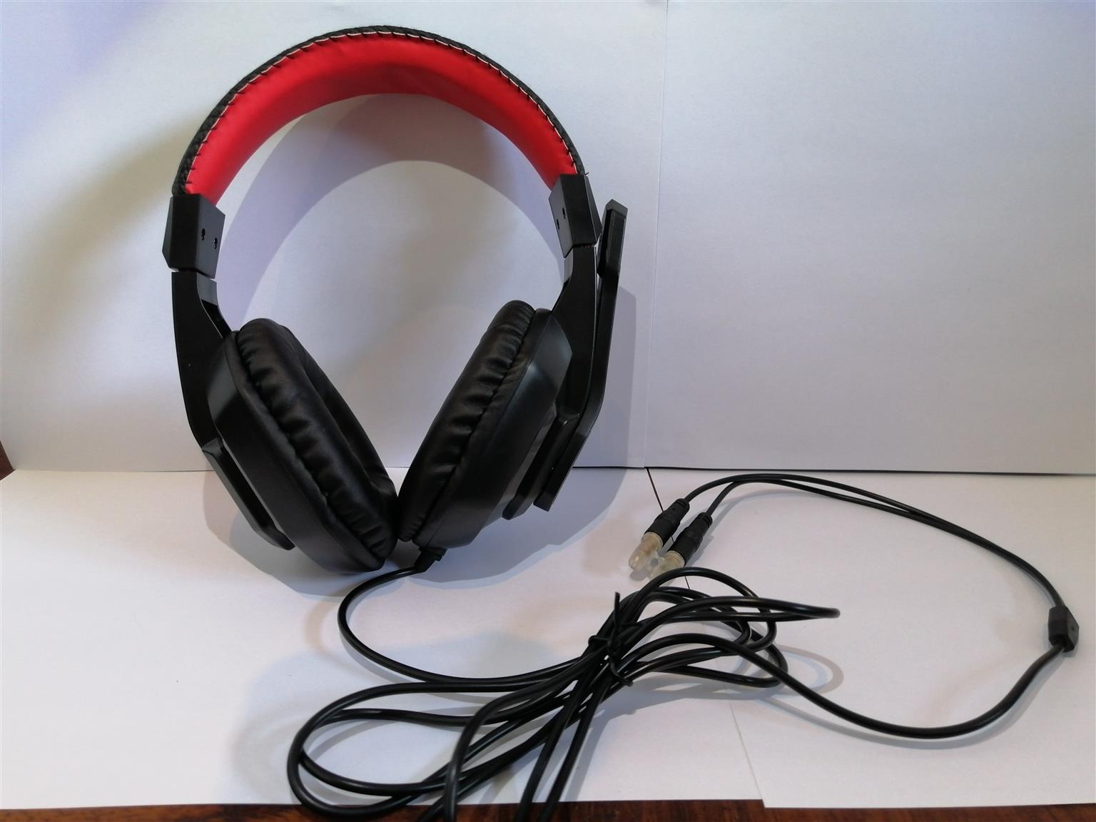 Brand new gaming headset, never used for sale !