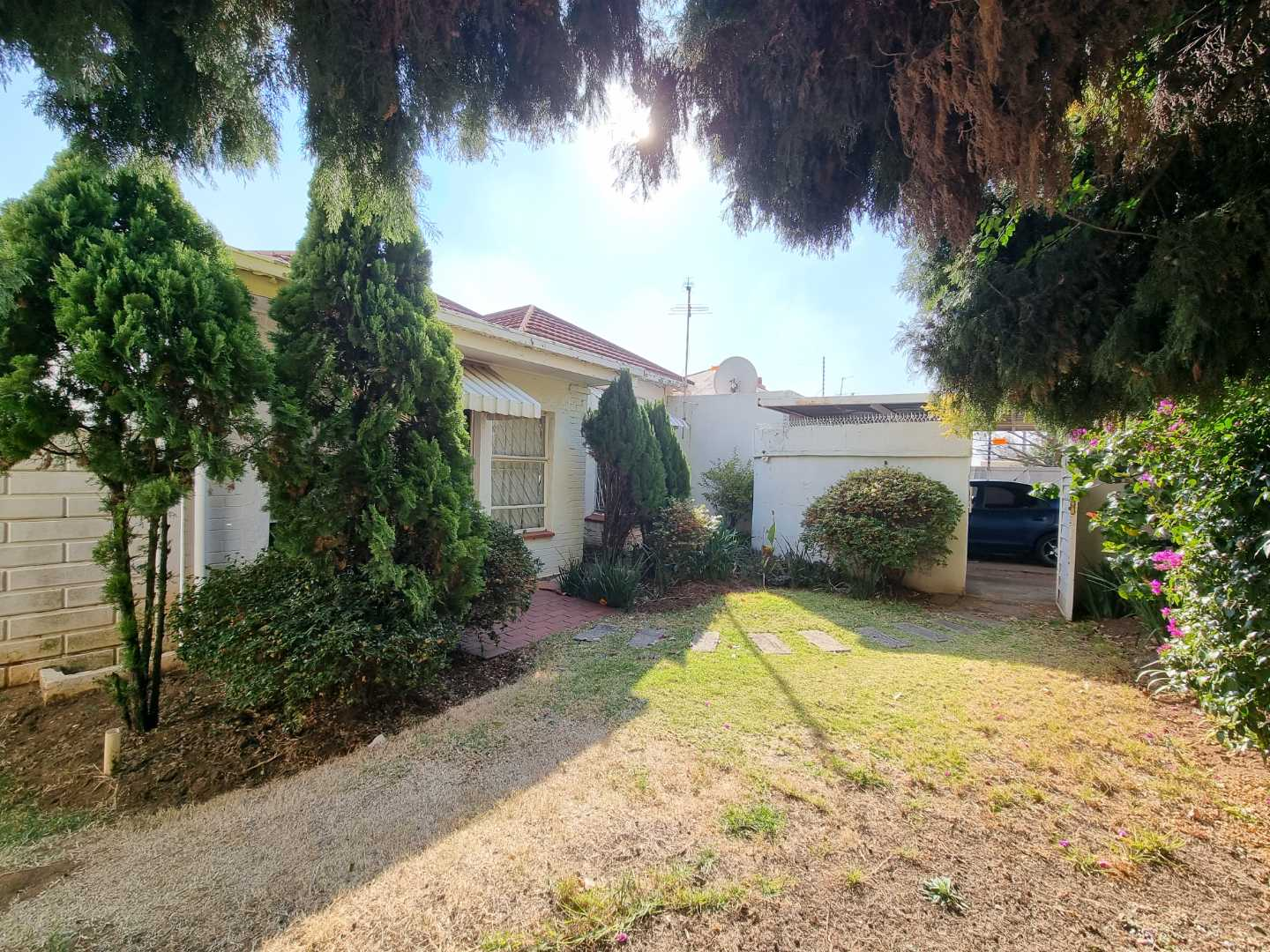 House For Sale in Highlands North