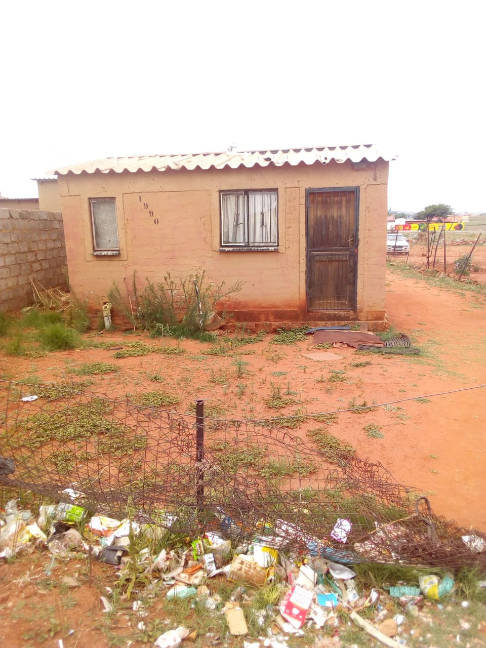 A FREEDOM PARK NEXT TO BARAGWANATH HOSPITAL HAS 2 BEDROOMS HOUSE FOR SALE