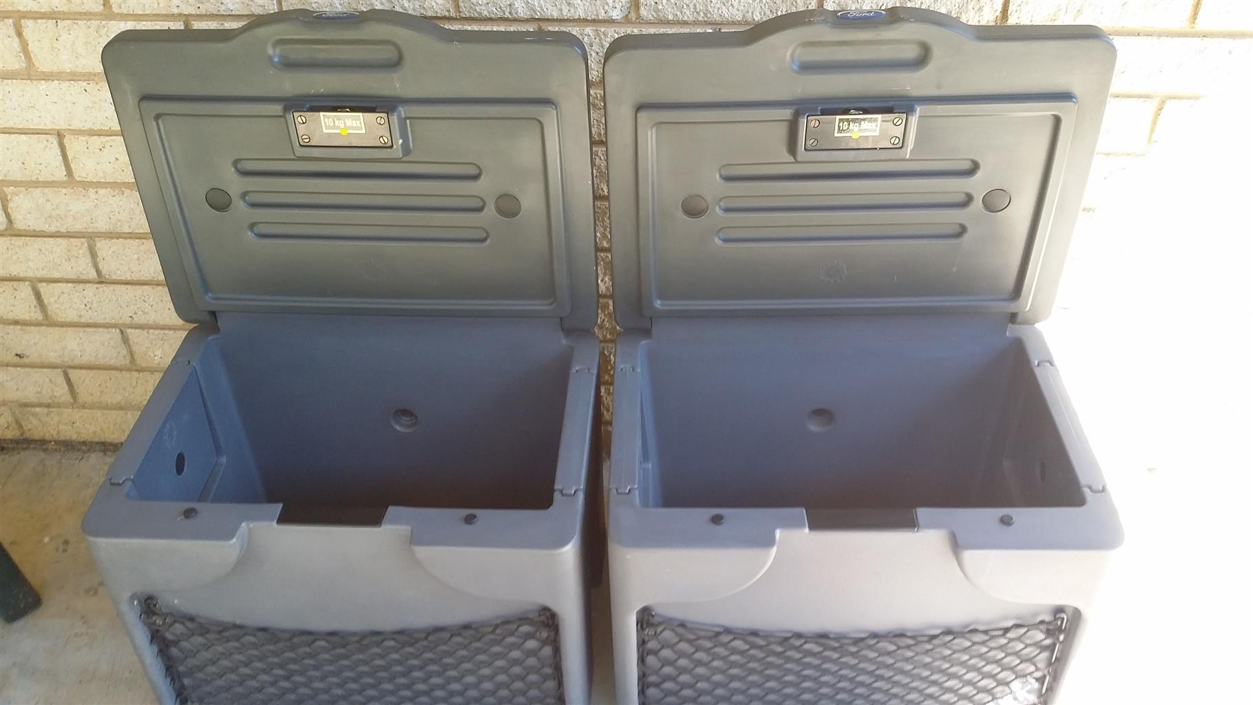 bFord Ranger storage boxes