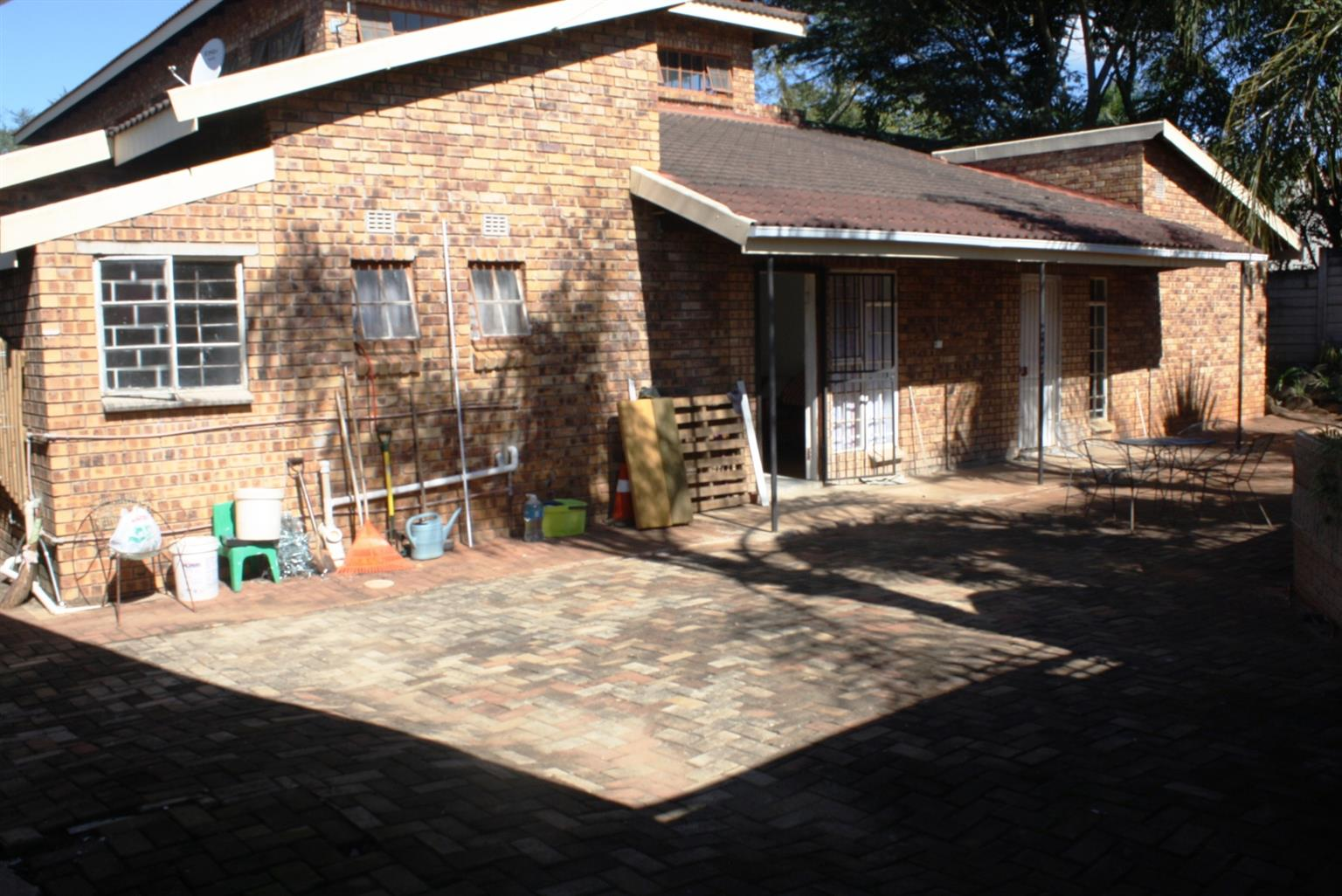 Office Rental Monthly in White River Ext 46