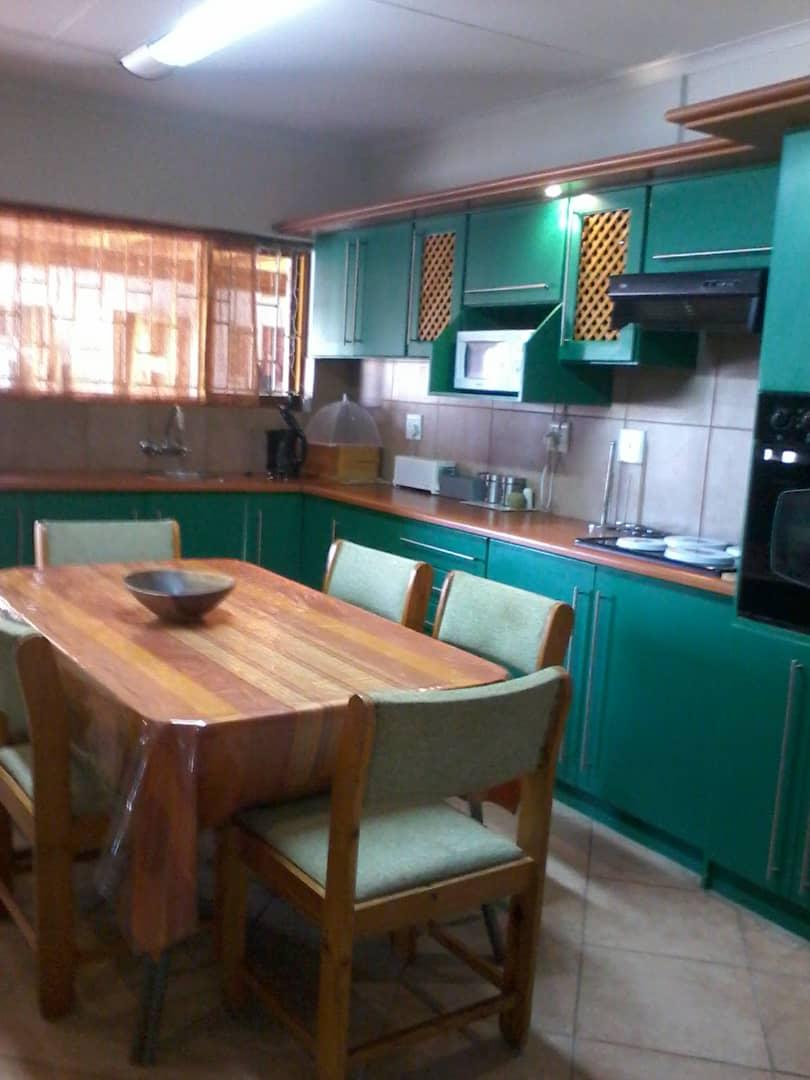 HENTIES BAY PROPERTY FOR SALE - BARGAIN 4 BEDROOM PLUS 1 BEDROOM FLATLET