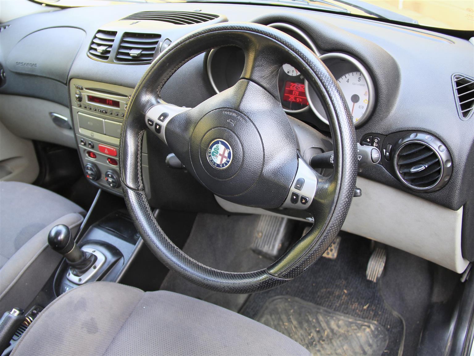 2002 Alfa Romeo 147 2.0 3 door Distinctive