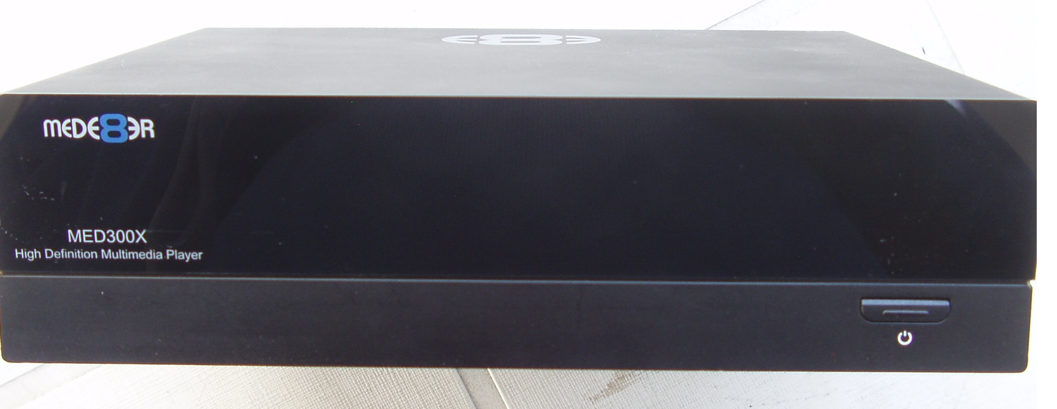 Mede8er MED300X multimedia player - with power cord