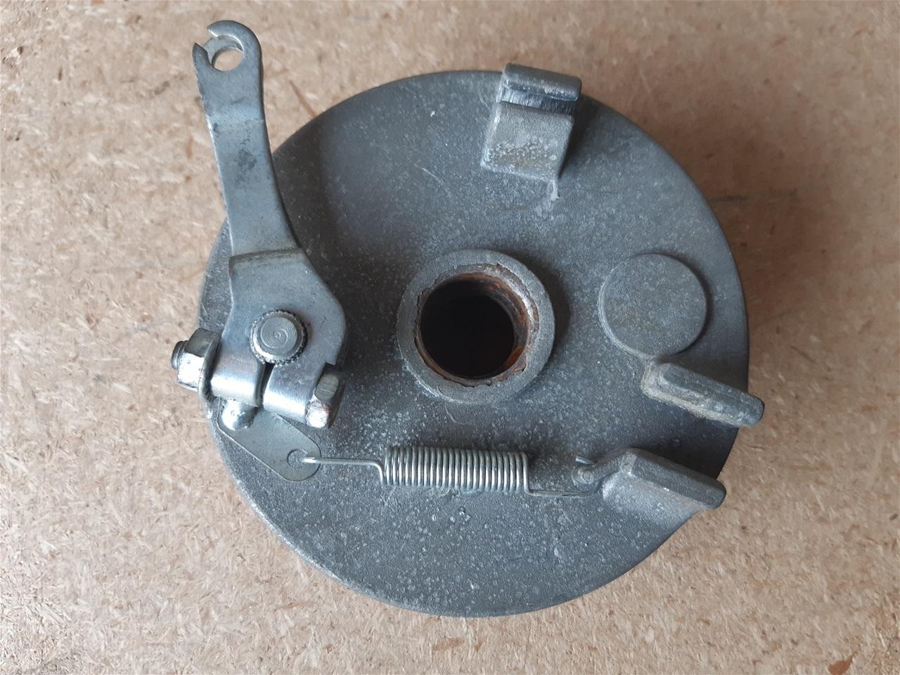 AA53.16 Conti quad 150cc right front brake hub - R250