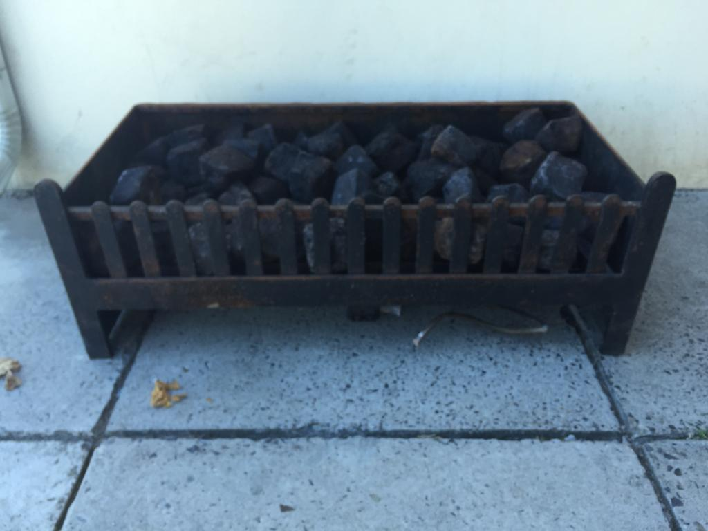 Medium sized fireplace grate with Gas fired mechanism with permanent coals!