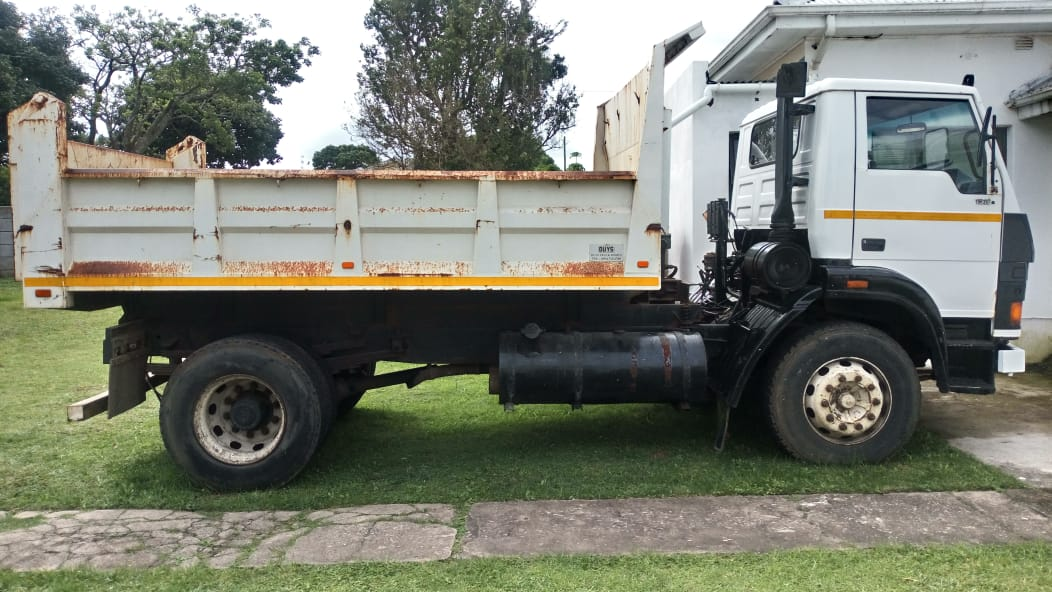 6m3 TIPPER FOR SALE
