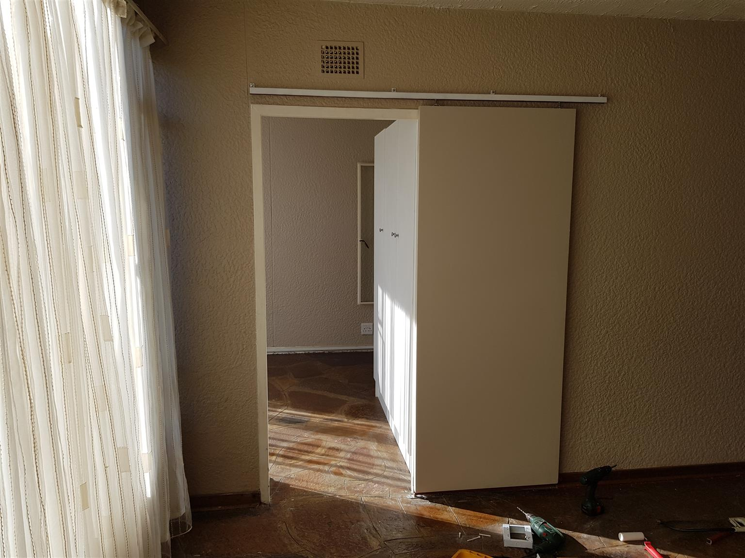 Flat to let in Roodepoort Hamberg