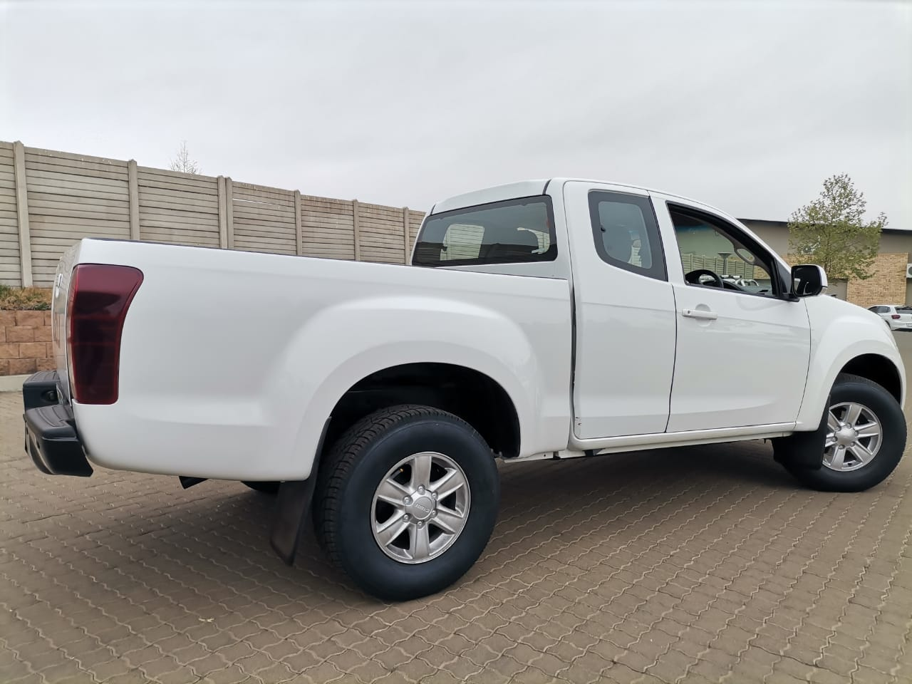 2014 Isuzu KB250 D-Teq LE Extended Cab In Excellent Condition