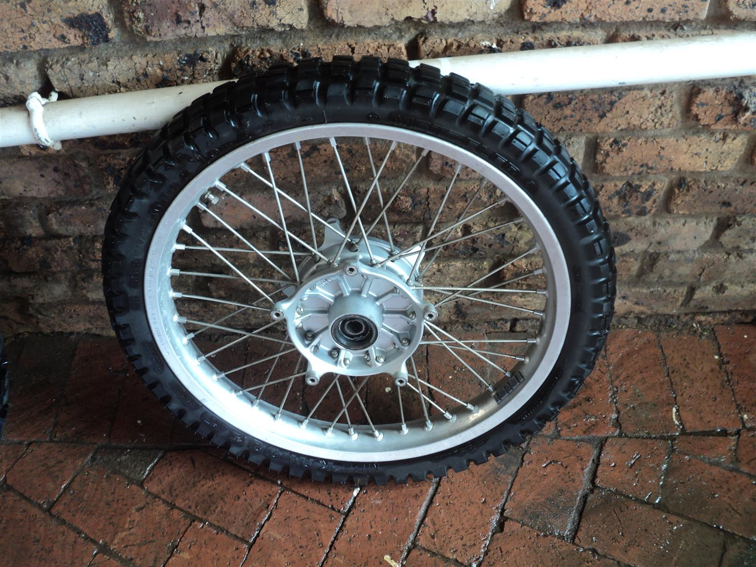 RIMS AND TYRES FOR BMW R SERIES