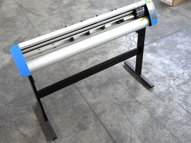 V3-1368 V-Smart Plus Automatic Contour Cutting Vinyl Cutter 1360mm Working Area, plus