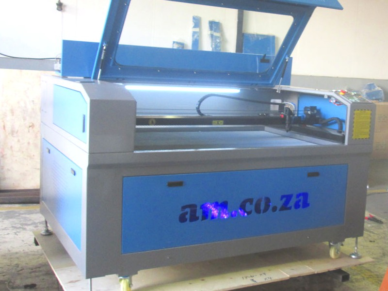 LC2-1610/C130 TruCUT Performance Range 1600x1000mm Cabinet, Conveyor Table, CCD Camera for