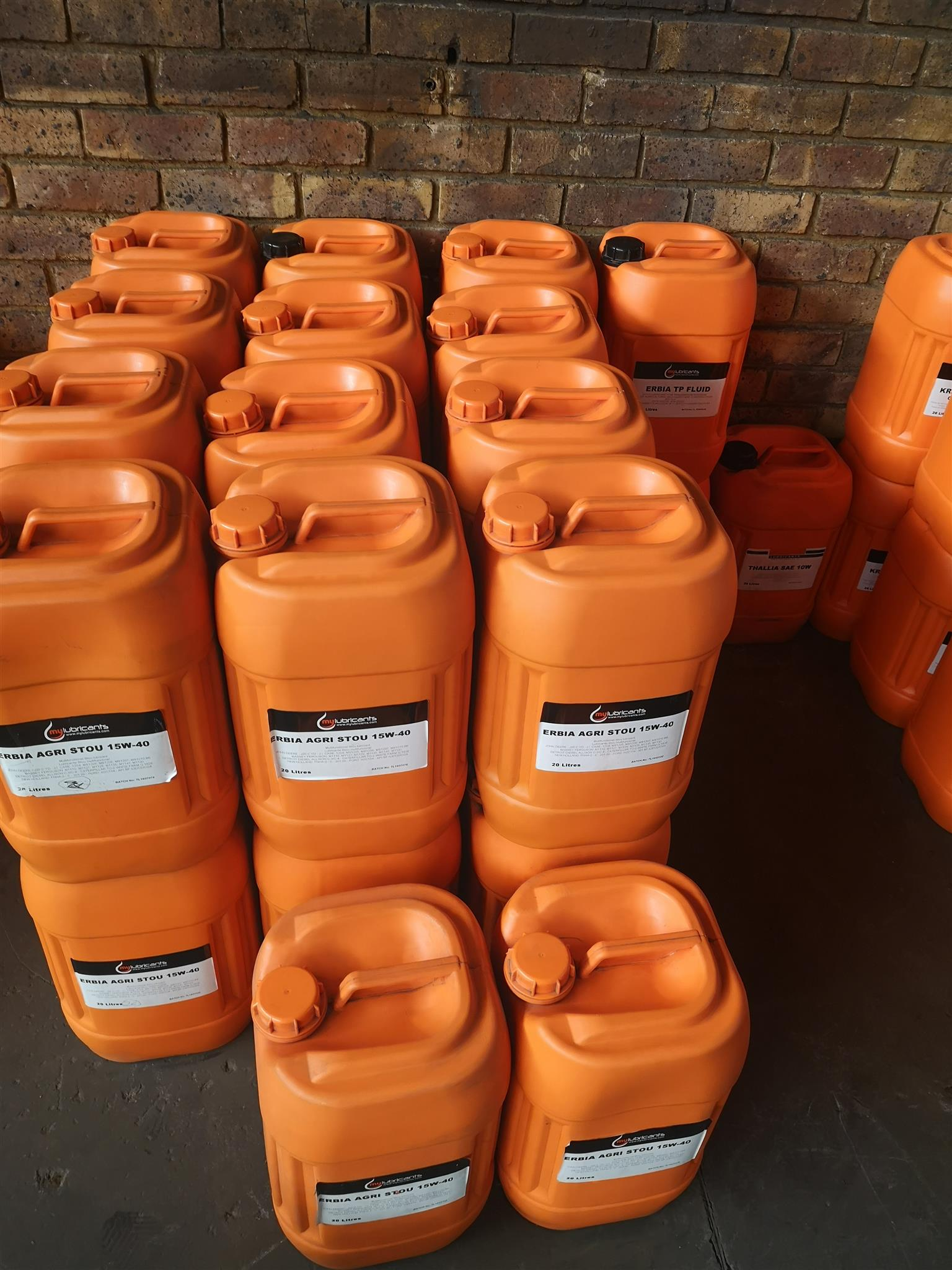 LUBRICANT DISCOUNTED STOCK CLEARANCE SALE FOR VEHICLES, TRUCKS AND BUSES