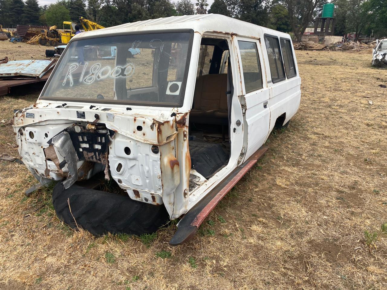 toyota land cruiser station wagon body