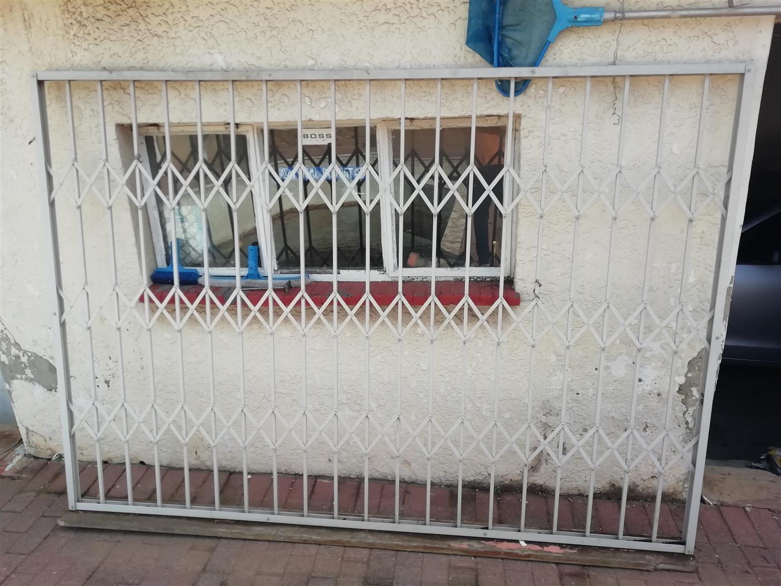 Maxidor security barrier