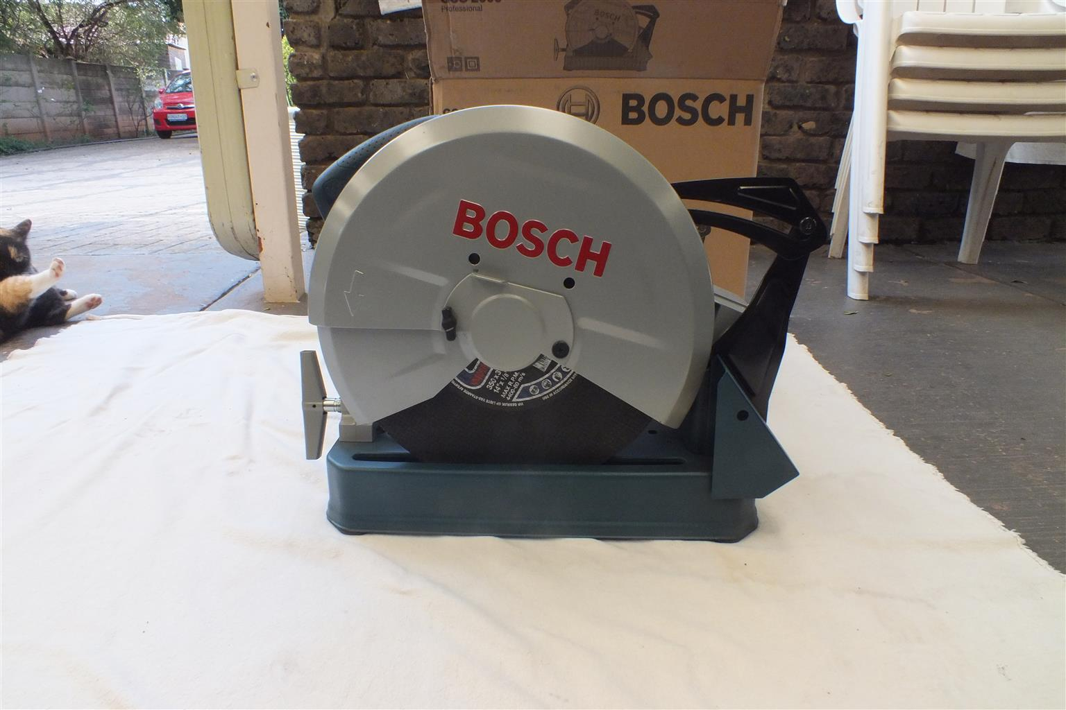 Bosch GCO 2000 Pro cut of machine. Used once, brand new condition, still in box